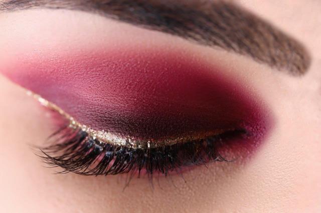 Hot śliczny makijaż dla kobiet po 30 - wyglądaj bosko!