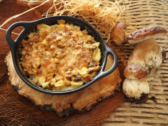 Zapiekanka ziemniaczana z borowikami