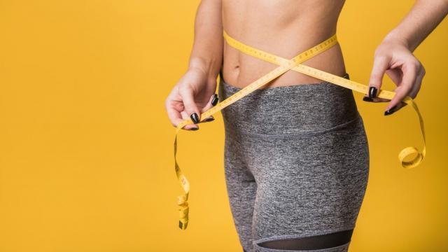 Czy istnieje dieta na płaski brzuch? Odpowiadamy!