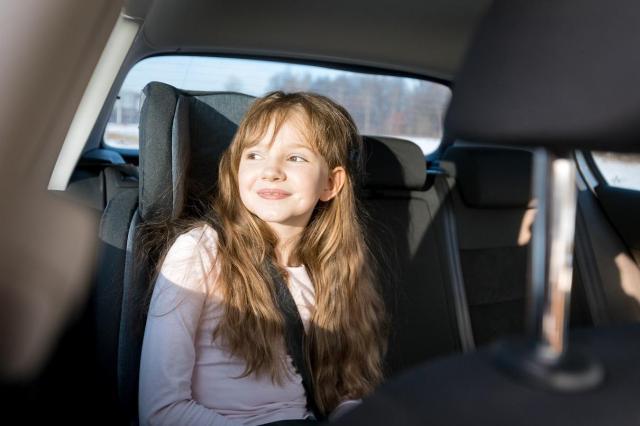 Bezpieczne foteliki samochodowe - którymi warto się zainteresować?