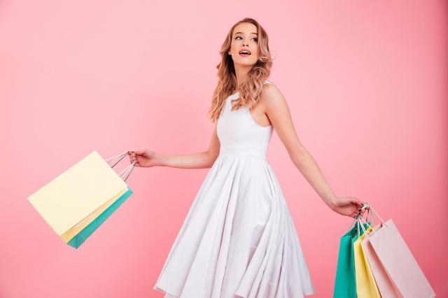 Modne sukienki na lato – wybierz swój krój!
