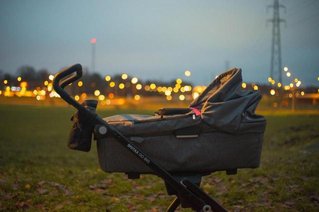 Wózki trójkołowe – wózki dziecięce wielozadaniowe