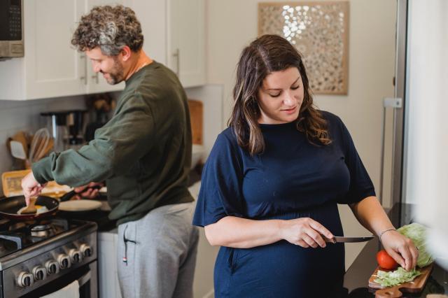 Dieta w ciąży i po porodzie – jak się odżywiać?