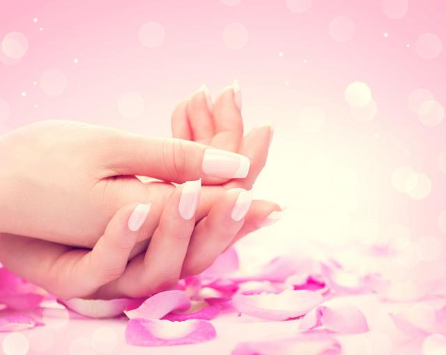Kilka porad na to jak zadbać o dłonie, aby stały się Twoim powodem do chluby