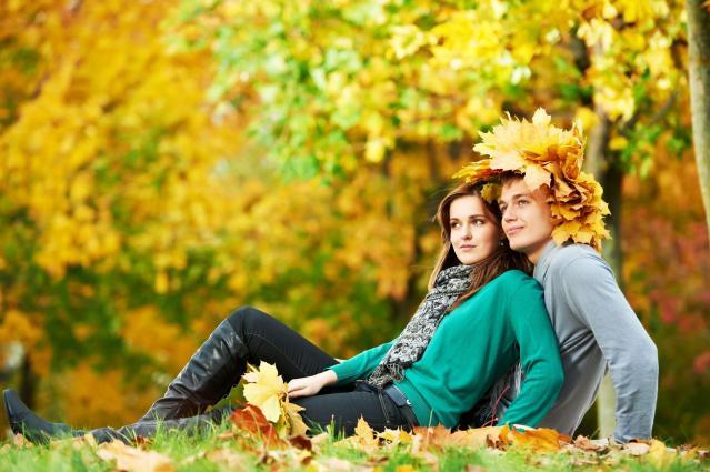 Pomysły na jesienna randkę, która zapadanie w Waszej pamięci na długo!