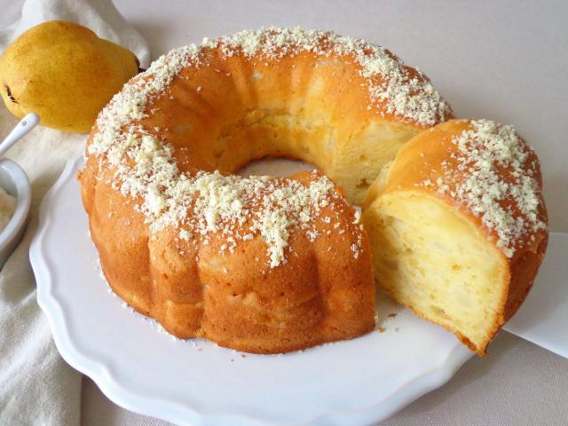 Ciasto gruszkowe z białą czekoladą i mascarpone (bez masła)