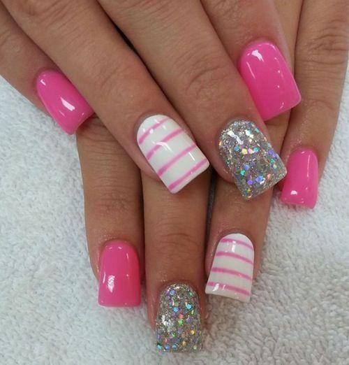 paznokcie pudrowe, paznokcie długie, paznokcie brokatowe, paznokcie w kropki, paznokcie wzory, paznokcie różowe