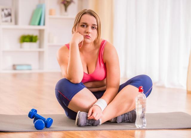 Masz sporą nadwagę? Sprawdź jakie ćwiczenia pomogą Ci szybko schudnąć!