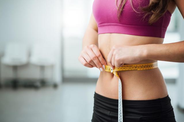 5 zgubnych nawyków żywieniowych, które rujnują Twoją sylwetkę