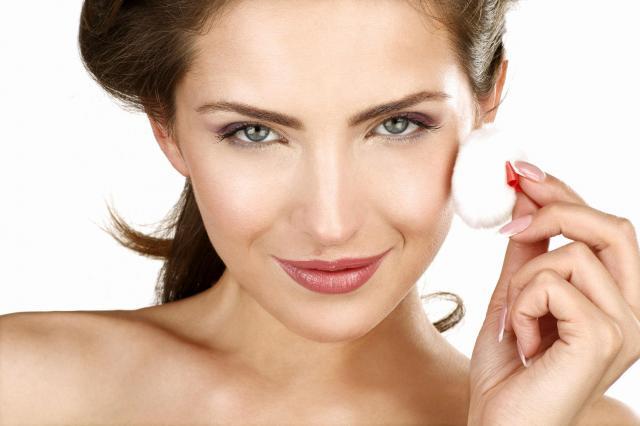 zaskórniaki, demakijaż, pielęgnacja skóry twarzy