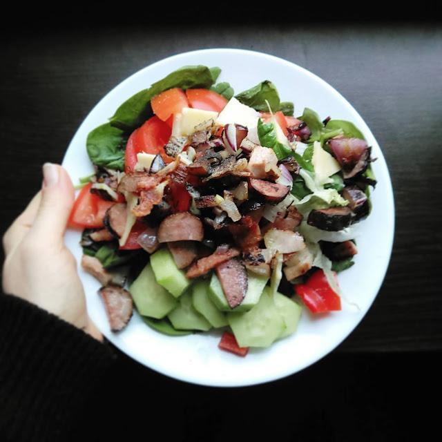 Kilka słów o śniadaniach białkowo-tłuszczowych